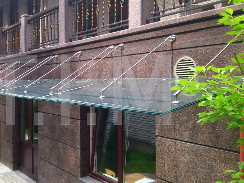 Козырьки из стекла триплекс