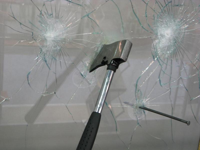 Взломостойкое стекло триплекс