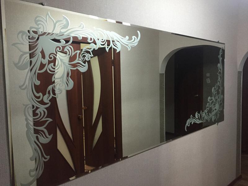Зеркало с художественным пескоструйным матированием