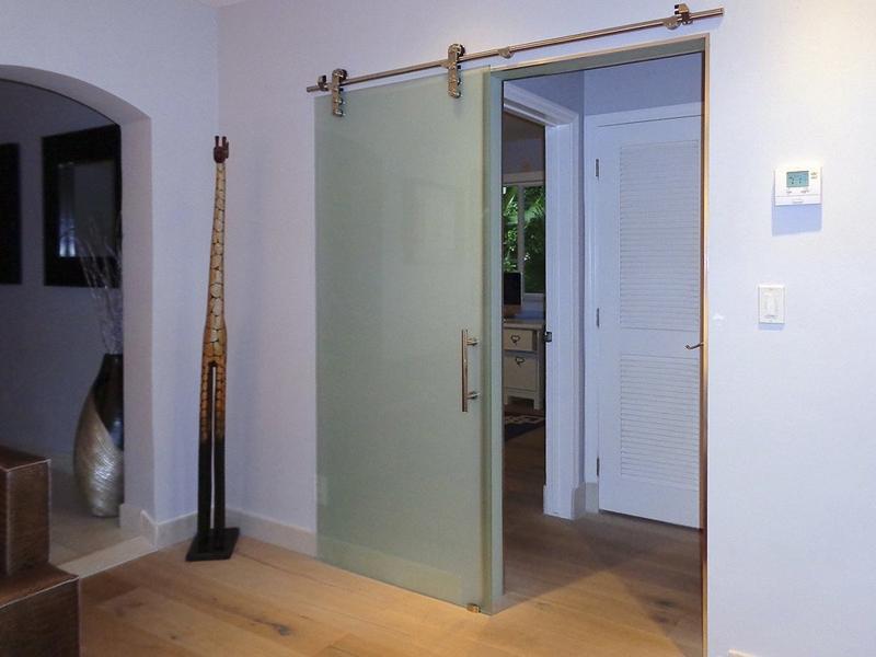 Стеклянные межкомнатные двери раздвижные